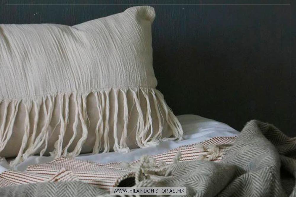 ABUELITA BORREGO. La identidad pura de los textiles