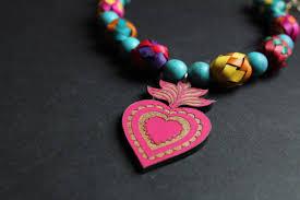 Color y diversión en los productos de AMBAR HERNÁNDEZ